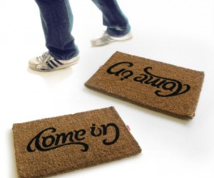Come In Go Away Reversible Doormat – Great for sending mixed messages to your friends, family, and neighbors
