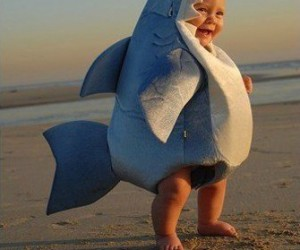 Baby Shark Costume – Careful, this cute little guy bites!