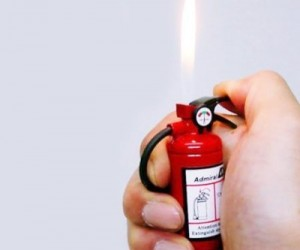 Fire Extinguisher Lighter – Start fires (legally of course) instead of putting them out with this ingenius looking fire extinguisher lighter!