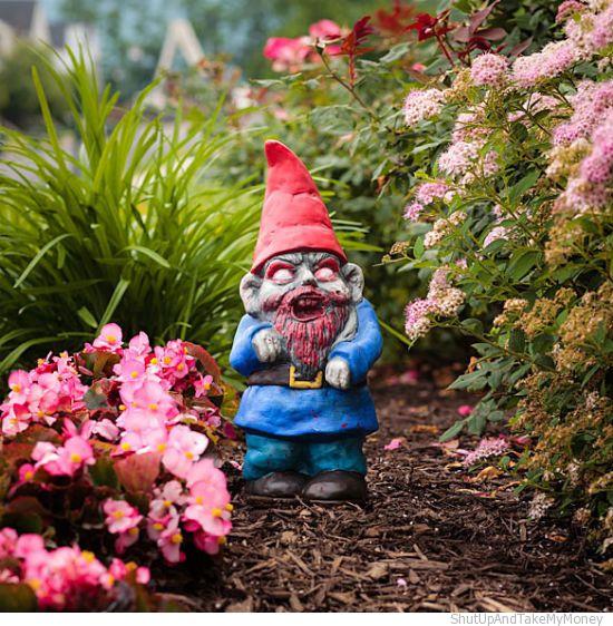 zombie-apocalypse-garden-gnomes