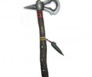 Assassin's Creed Replica Tomahawk Axe – The perfect addition to your Assassin's Creed ensemble.