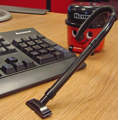 henry the hoover desktop vacuum 2