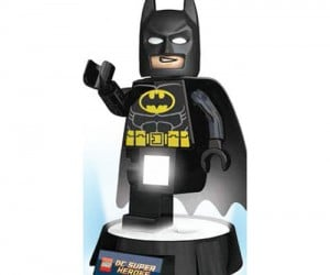 Batman Lego Torch And Night Light – Leave it up to this Dark Knight will light up your dark night