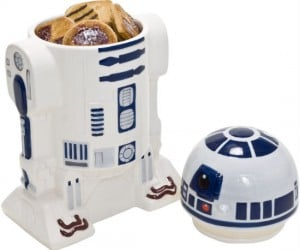 Would you rather have an R2D2 filled with wires and computer chips or cookies with chocolate chips?