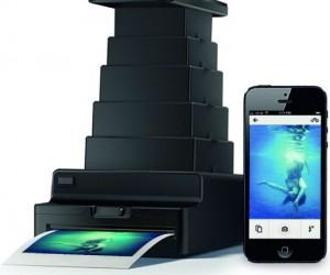 Print your digital iPhone photos the old fashioned analog way via dark room!