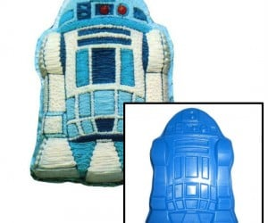 Star Wars R2D2 Cake Pan – R2D2 now in cake form.