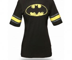 Batman Hockey Stripe Babydoll Tee – Perfect for rooting on Gotham's youth hockey team!