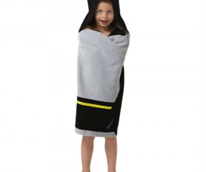 Hooded Batman Towel – Your kid's to do list: take a bath, dry off, save Gotham!