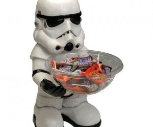Stormtrooper Candy Bowl Holder – At least stormtroopers are good at something.