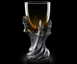 Game of Thrones Dragonclaw Goblet Replica – Perfect for when George R.R. Martin drives you to drink!