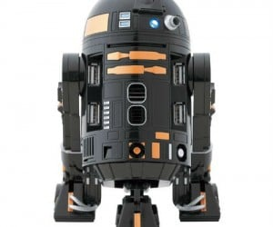 R2-Q5 USB Hub – This R2 variation comes with 4 ports, moves its head, and makes sounds!