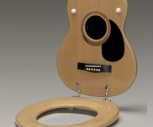 With this toilet seat you'll be making beautiful bathroom music in no time!
