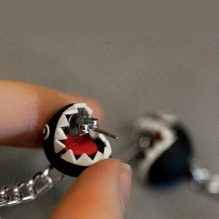 chain-chomp-earrings-4