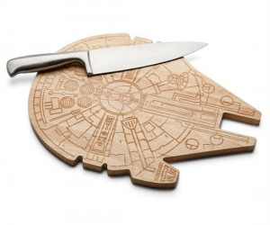 Dice and slice the Empire with the Millennium Falcon!