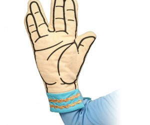 Spock Oven Mitt – Live long and try not to burn yourself! Protect your hand while showing off your fandom. 100% cotton outside, 100% polyester inside