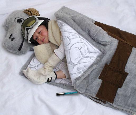 star-wars-products-tauntaun-sleeping-bag