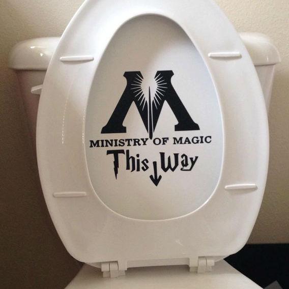 minitry-of-magic-toilet-decal-2