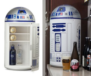 R2D2 Mini Fridge – Keep your drinks cold under the 2 scorching suns of Tattooine