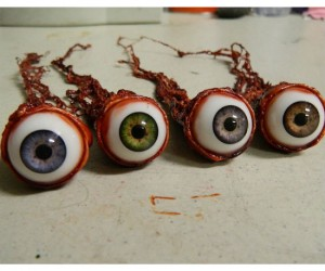 Realistic Ripped Out Eyeballs – Available in 4 different eyeball colors!