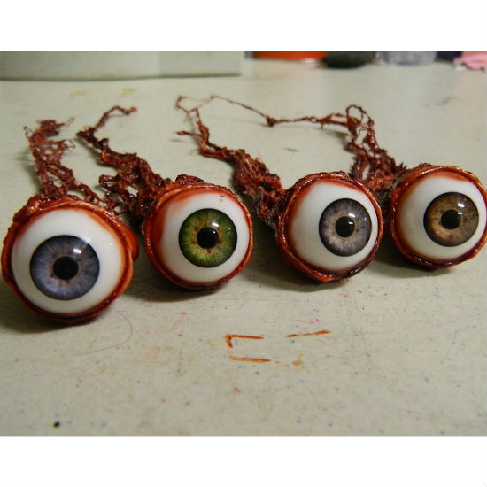 realistic-ripped-out-eyeballs-suatmm
