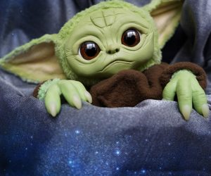 Move over Porgs, the cutest thing in the Star Wars universe has got to be baby Yoda from the Mandalorian! And now you can take one of your very own