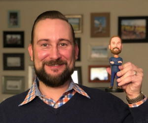 Get Dad His Own Custom Bobble Head – These personalized bobbleheads are amazing gifts for your husband, dad and grandpa on Father's Day!