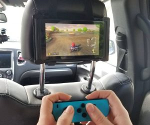 Nintendo Switch Car Headrest Travel Mount Holder – Play Nintendo Switch while you're on the road!