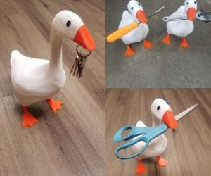 Untitled Goose Magnetic Statue – This goose will steal you keys, scissors, and your heart!