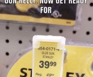 Machine Gun Kelly Glue Gun Stanley – Meme
