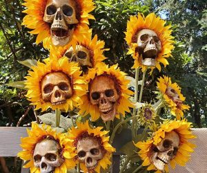 Sunflower Skull Ornaments – Spruce up your garden this Halloween season with these Sunflower Skull Ornaments!